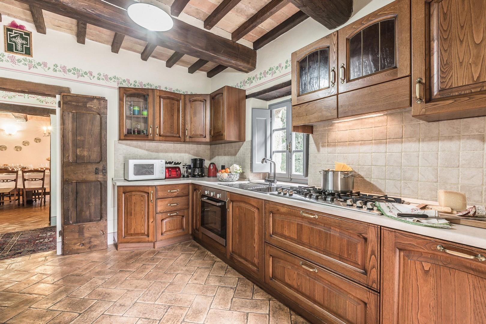 The kitchen is very well equipped.