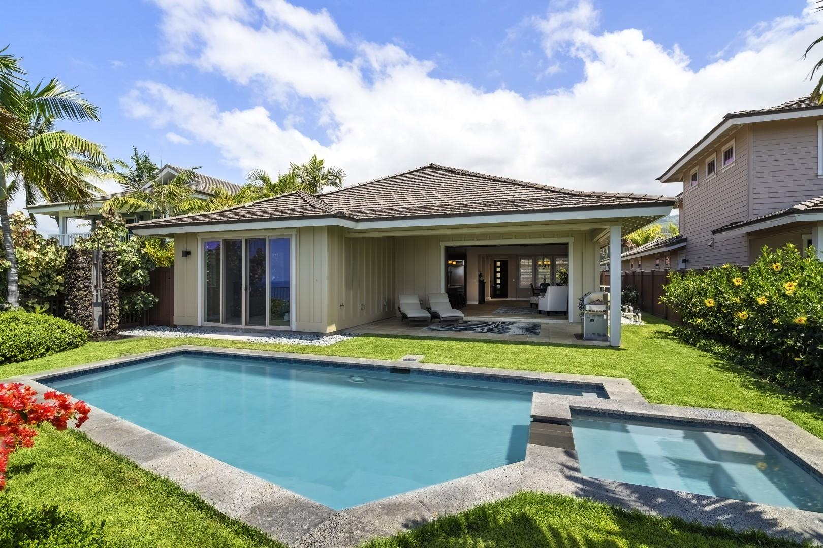 No better setting to enjoy your Big Island Vacation!