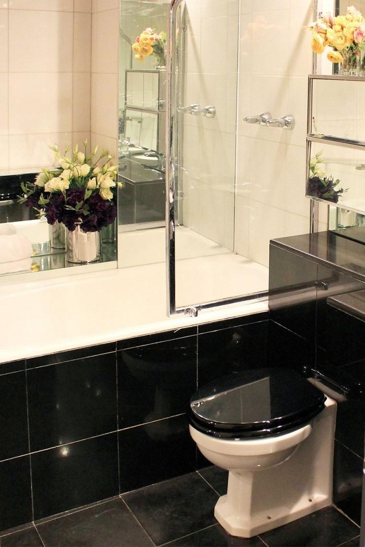 Bathroom of our Salisbury London vacation rental