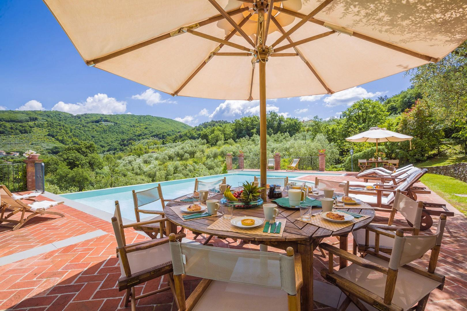 Dine, sunbathe, relax poolside. A changing room and shower is by the pool.