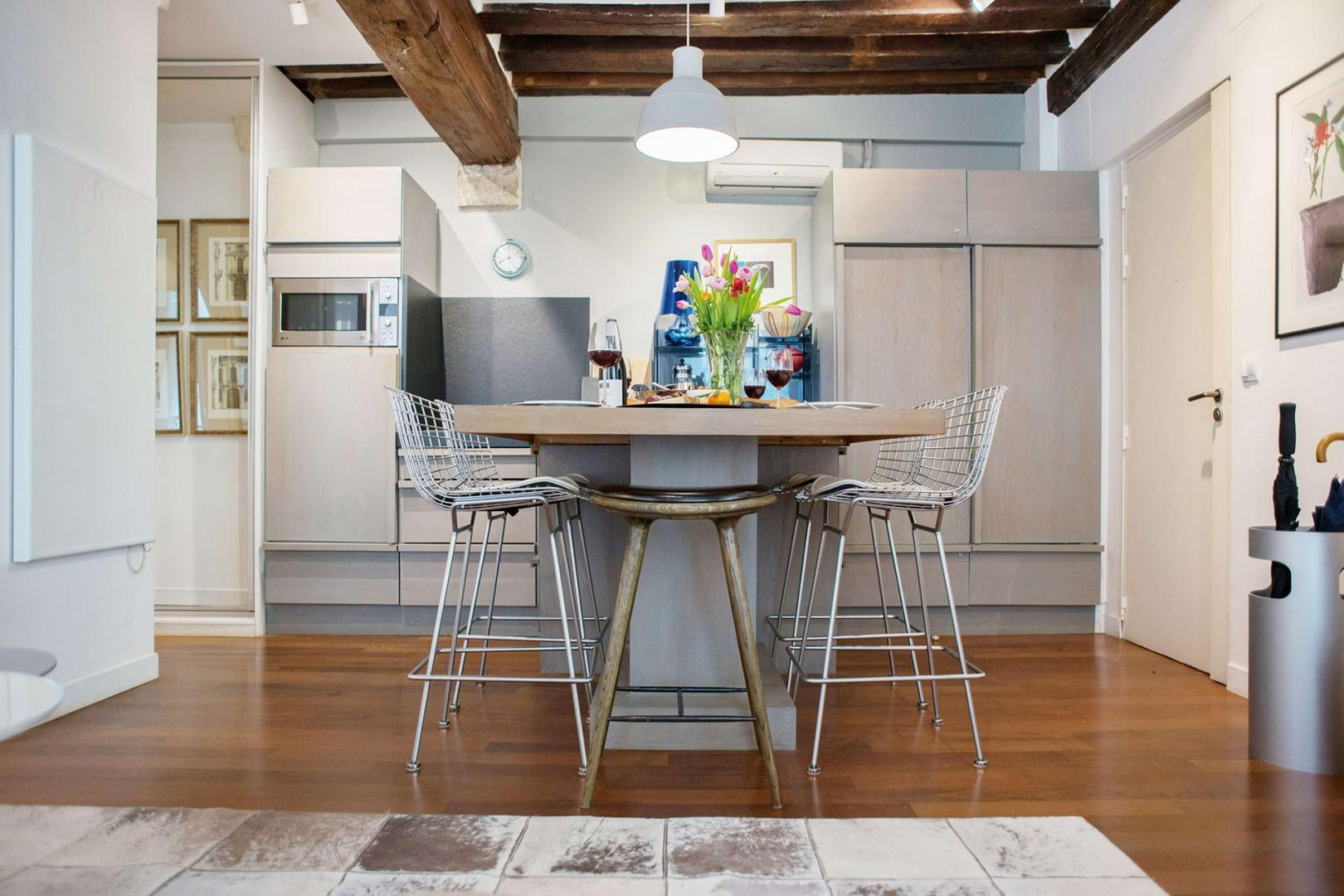 Enjoy casual meals in the built-in dining area.