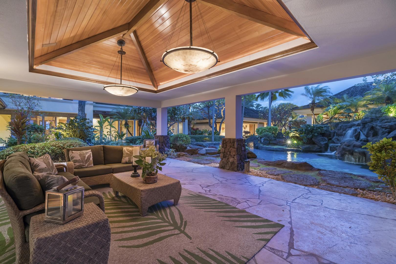 Outdoor Poolside Lanai with Sonos speakers