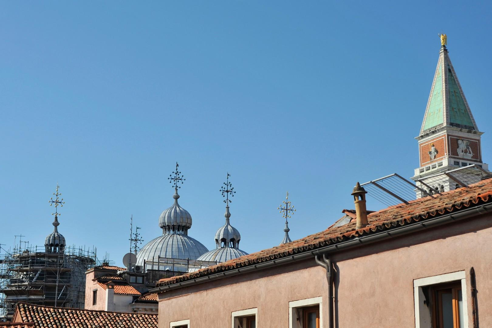 The cupolas of San Marco are not far away!