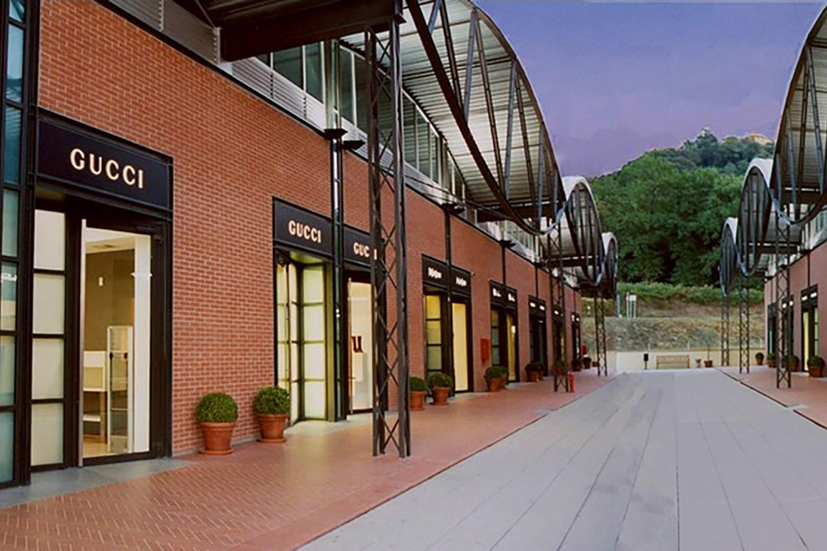 """""""The Mall"""" Italy's first premiere luxury outlet mall is 3 miles from the villa."""