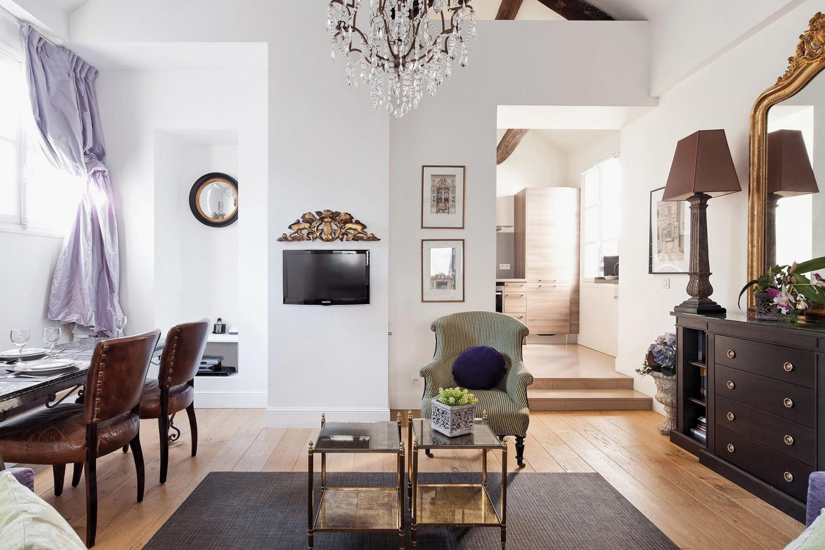 The apartment offers a peaceful and relaxing stay right in the center of Paris.
