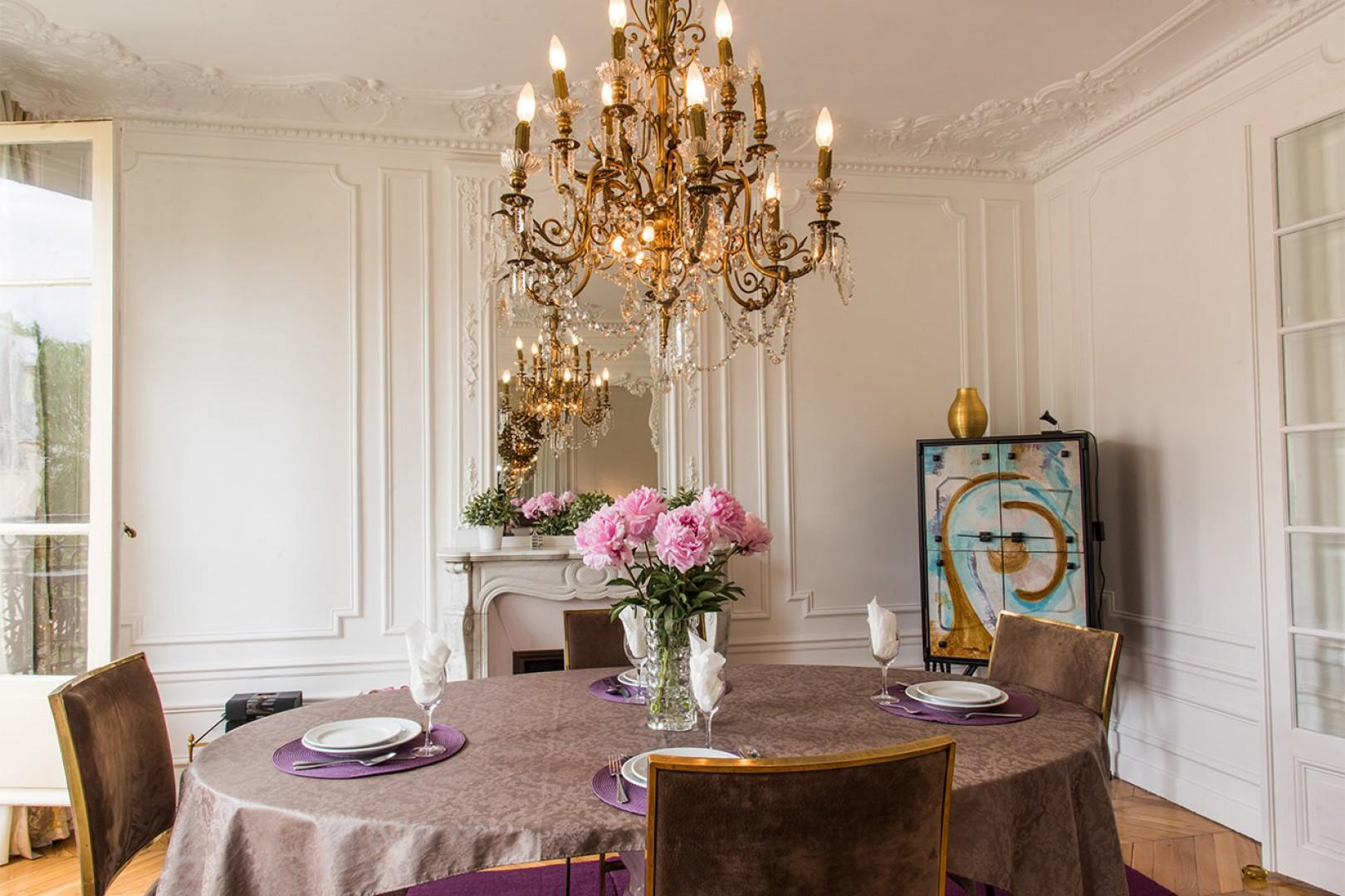 Host dinner parties in this chic space.