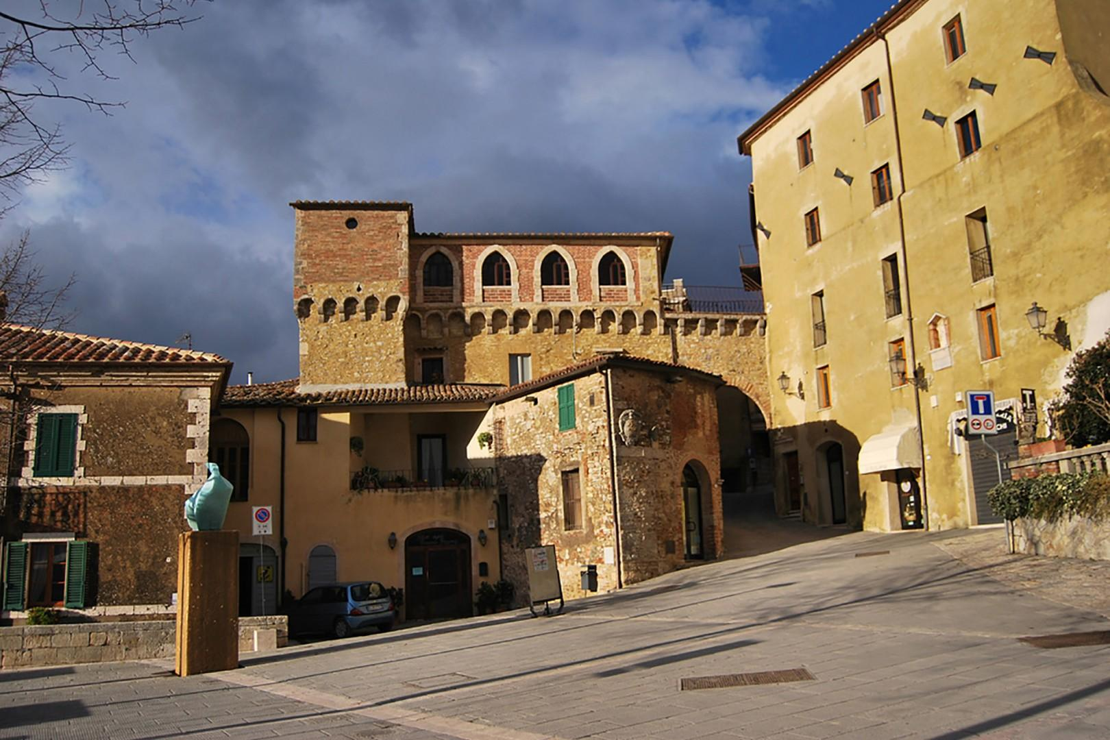 The main piazza of San Casciano reflects the slope of the hill on which it stands.
