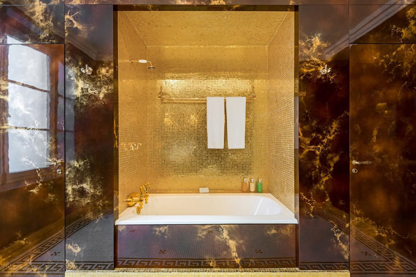 Enjoy a truly royal soak in the gorgeous alcove!