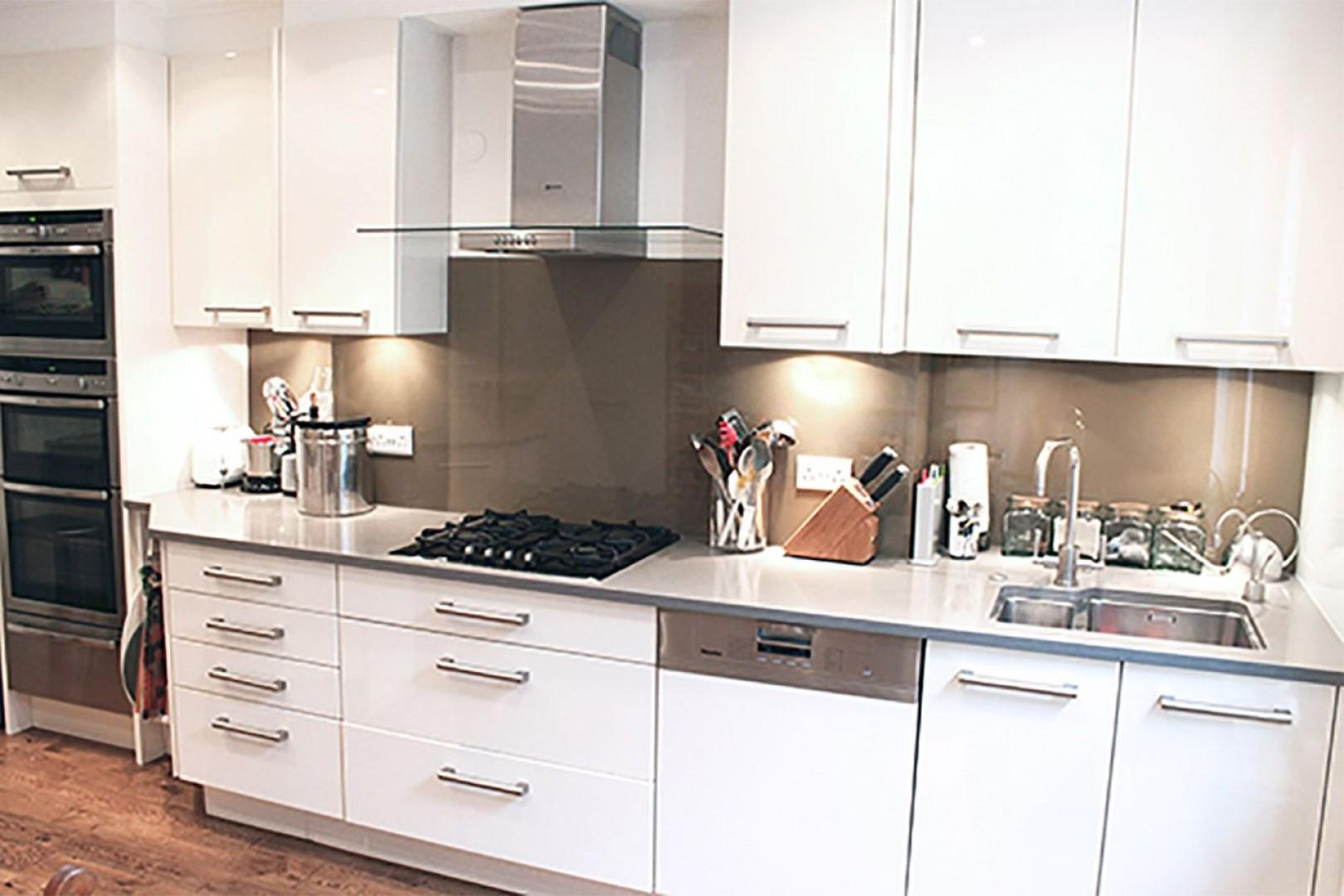 Fully remodelled modern kitchen in London vacation rental