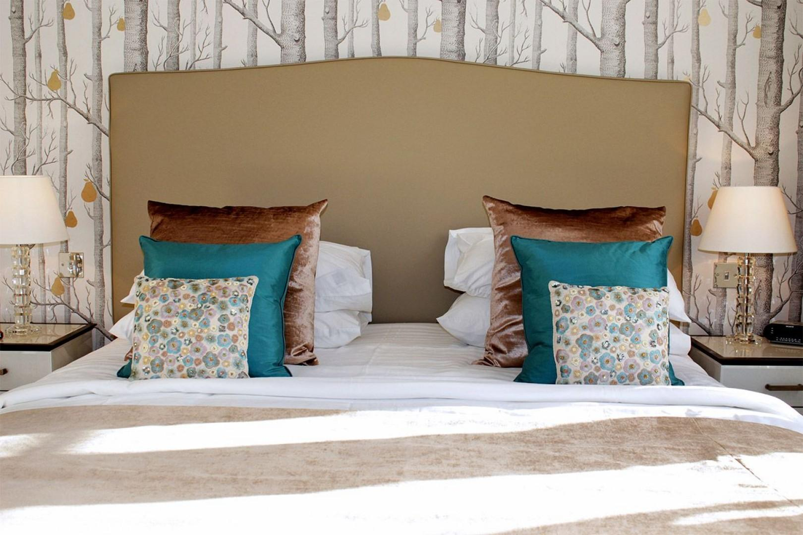 Lovely linens and throw pillows