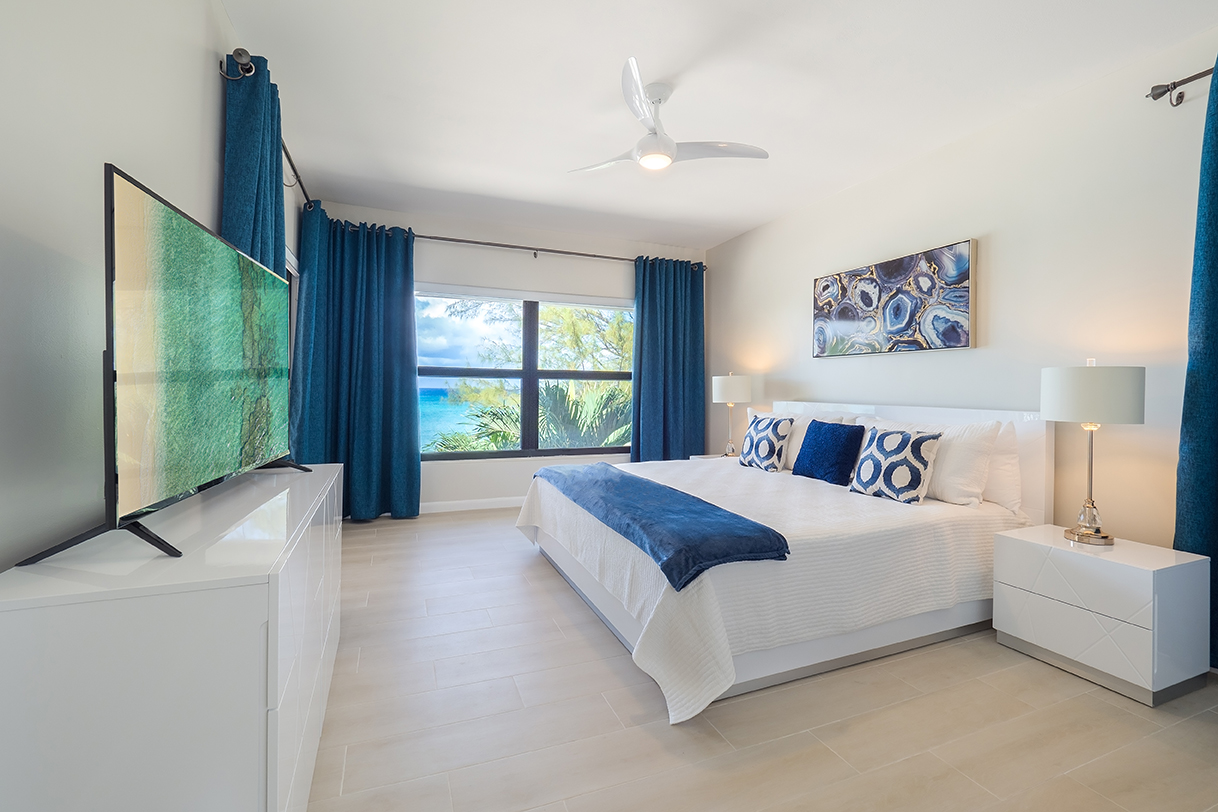 Casa Caribe Penthouse Guest King Bedroom