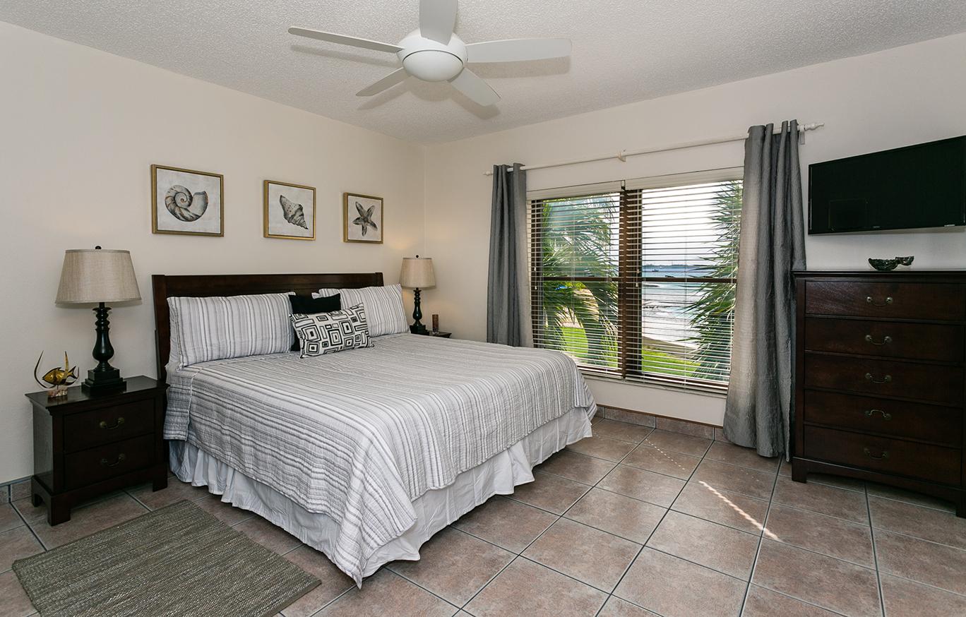 Georgetown Villas #201 King Master Bedroom