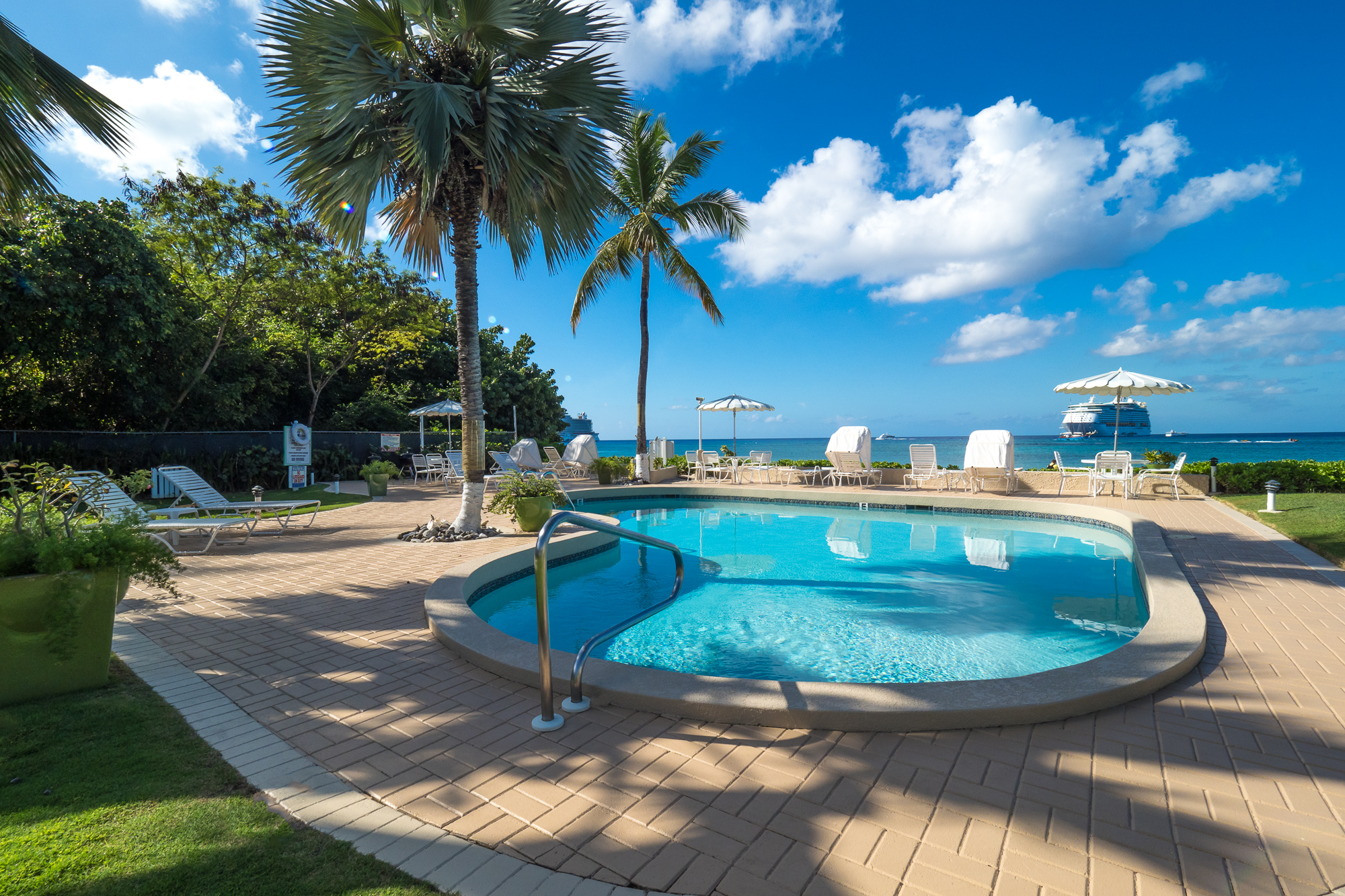 Cocoplum Oceanfront Freshwater Pool