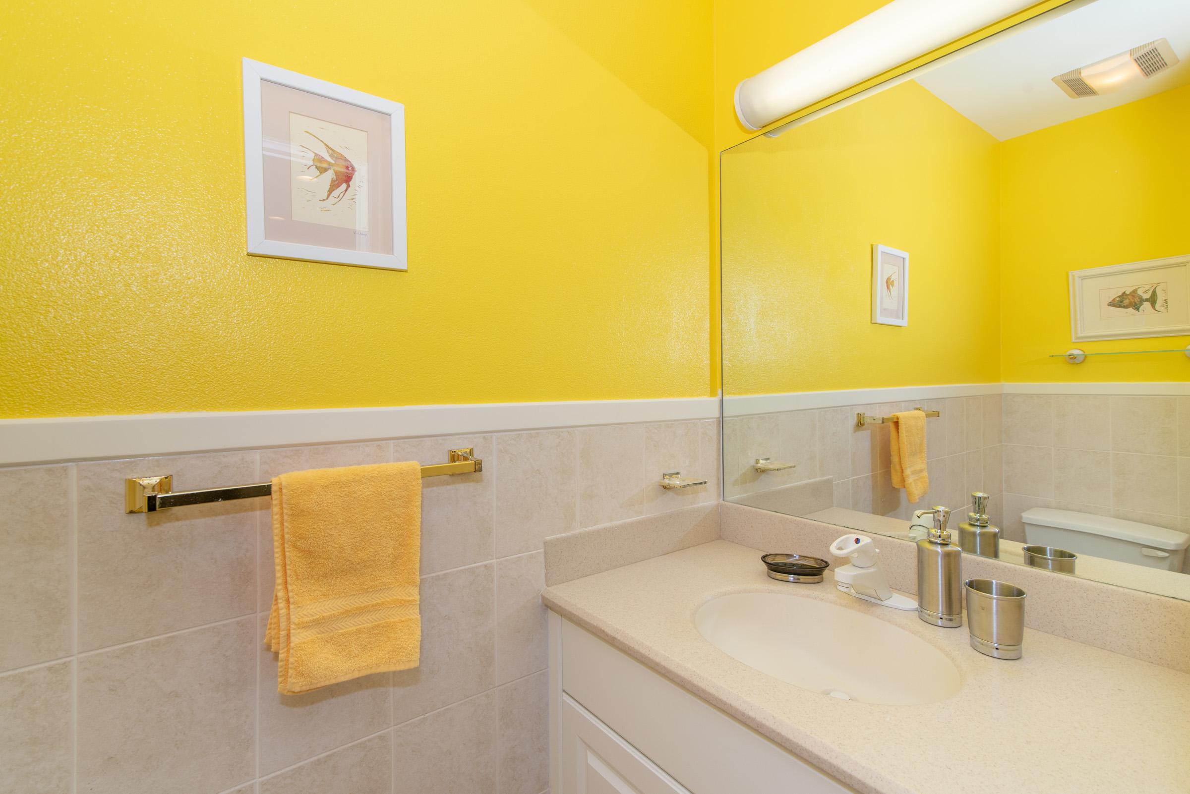 Queen On Suite Bath