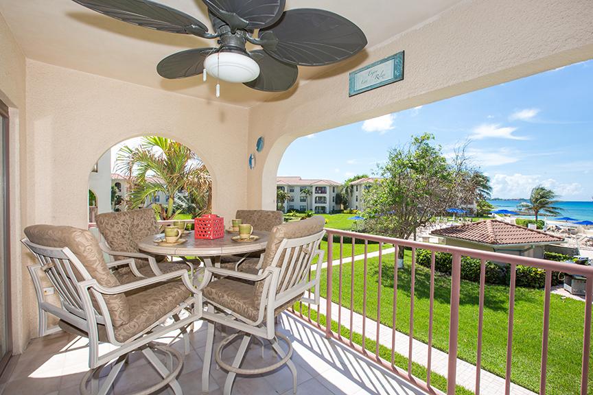 Georgetown Villa 203 Oceanfront Lanai