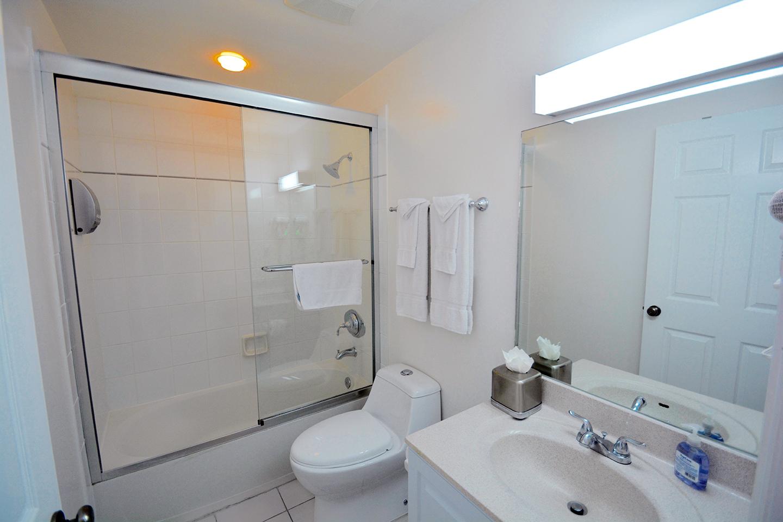 Regal Beach Club #523 Guest Bath
