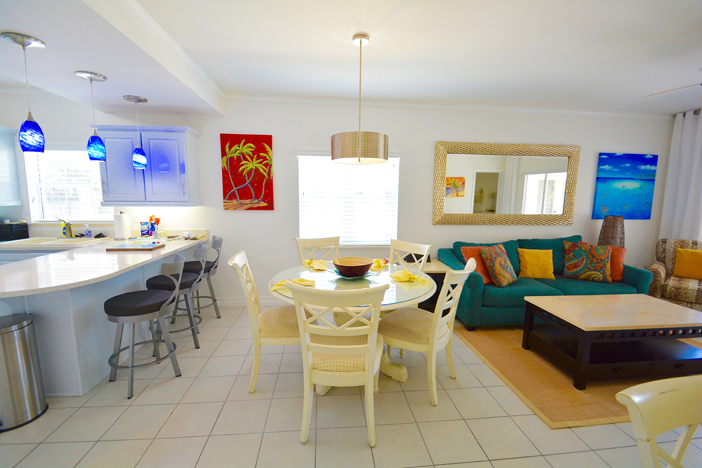 Regal Beach Club #523 Kitchen Bar and Dining Area