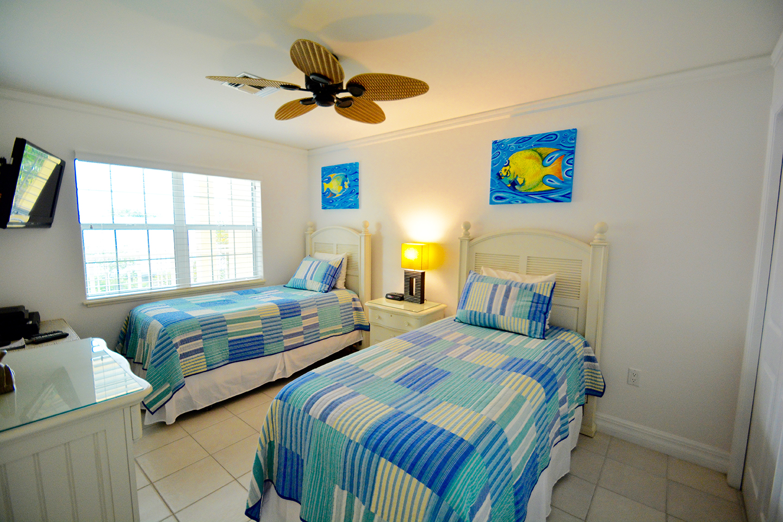 Regal Beach Club #523 Guest Bedroom