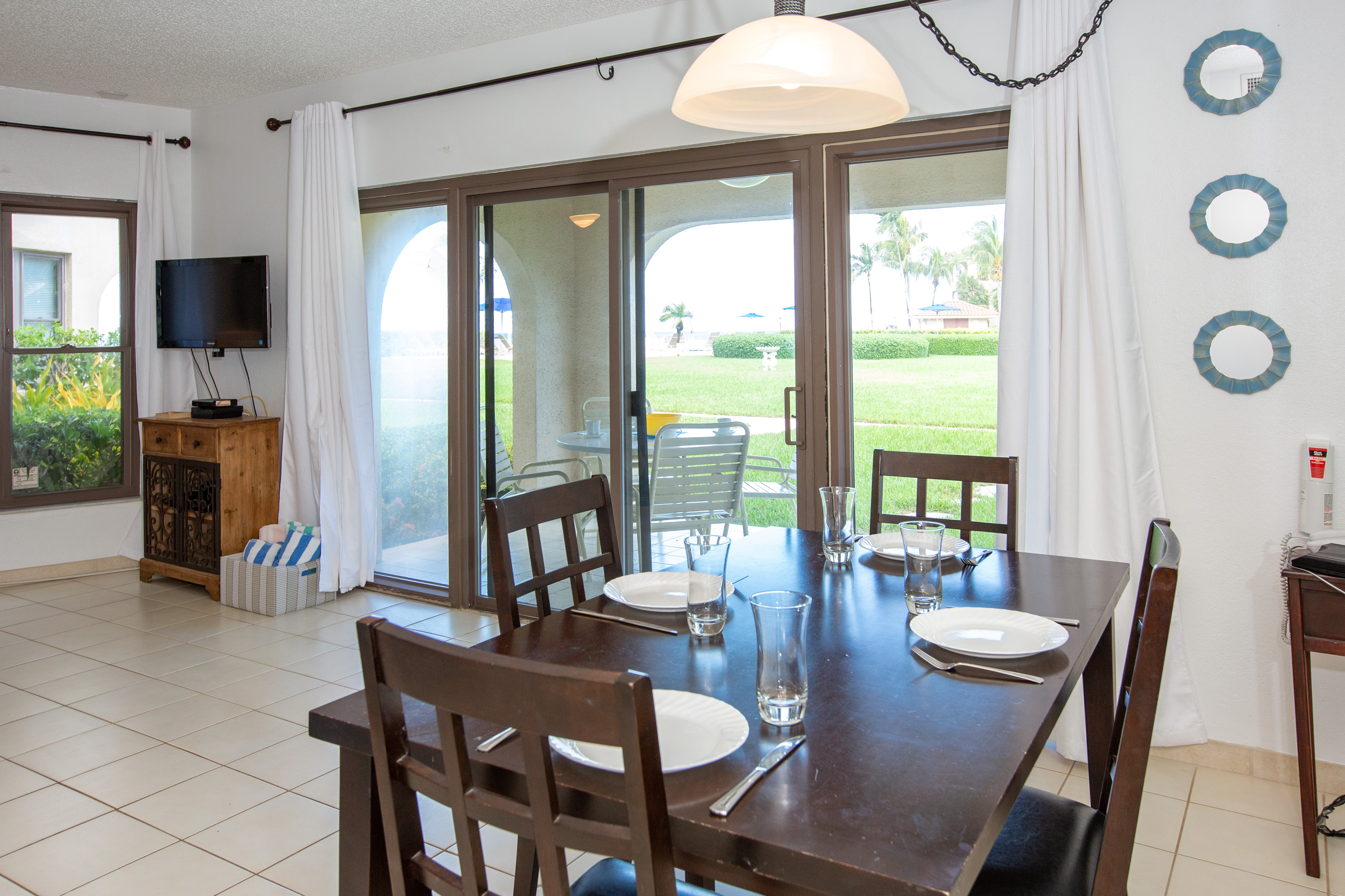 Georgetown Villas #115 Dining Area