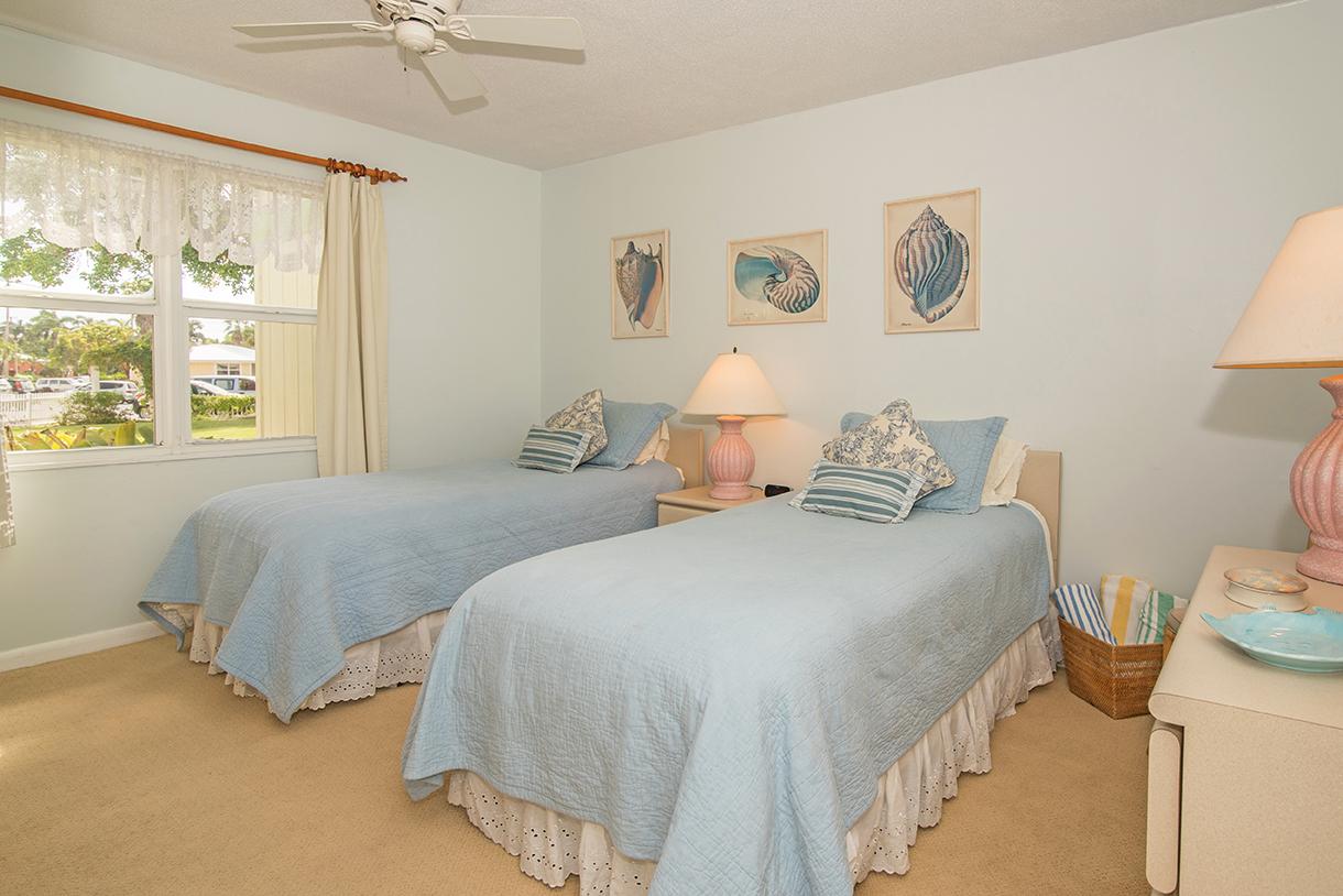 Cocoplum #3 Guest Bedroom