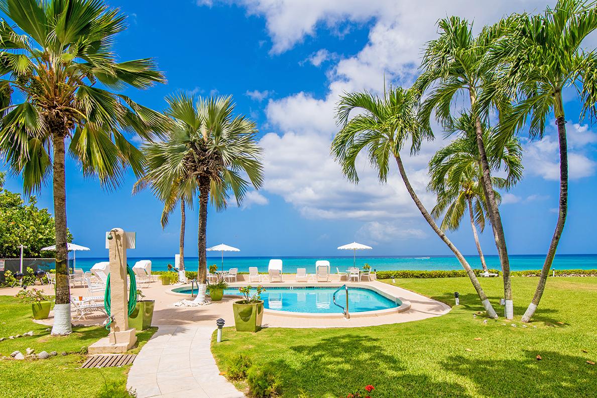 Cocopum Oceanfront Pool