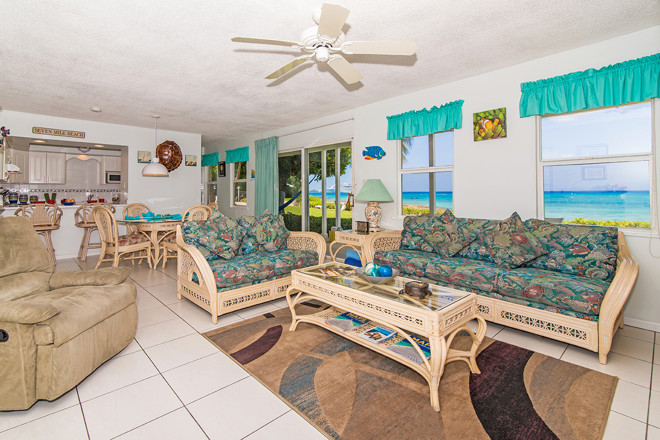 Cocoplum #1 Casual and Comfortable Living Area