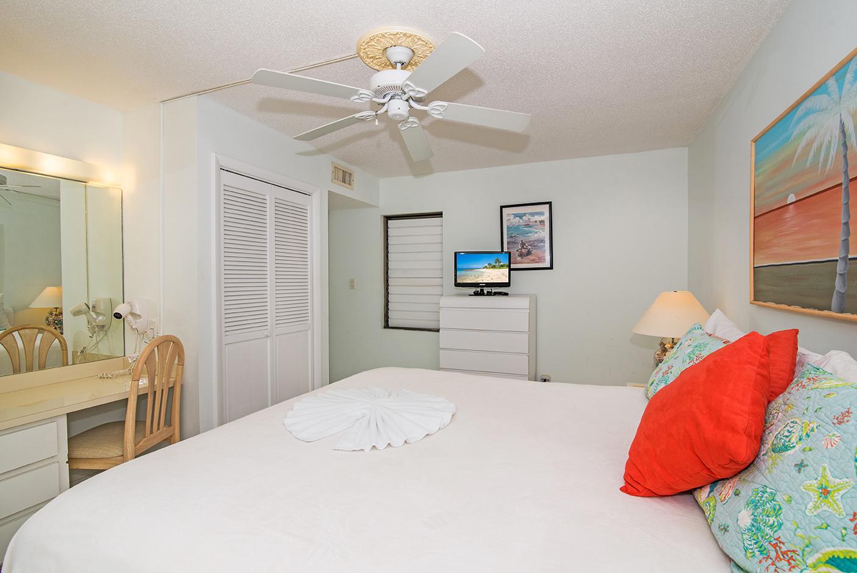 Cocoplum #1 King Master Bedroom