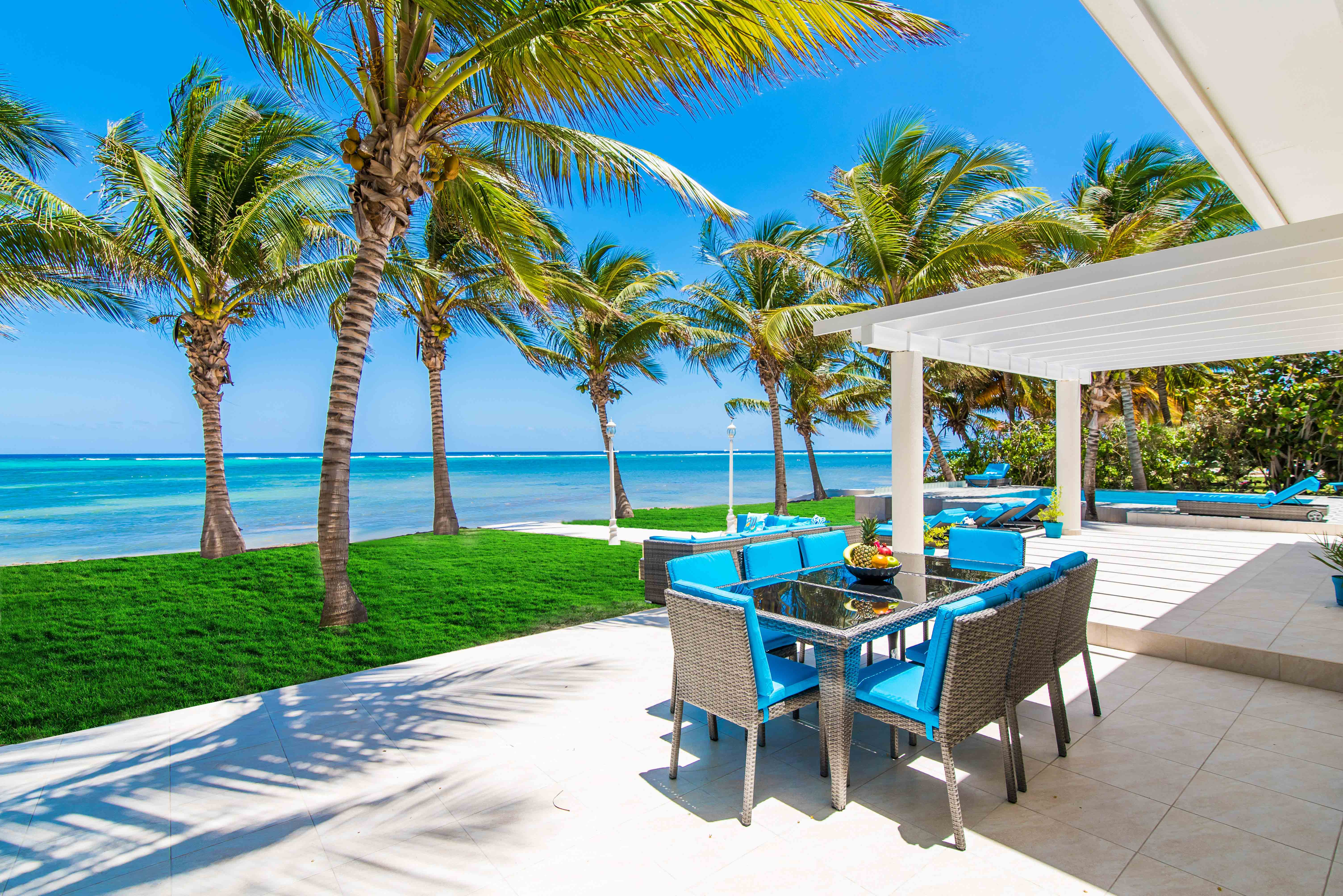 Sprat Bay Oceanfront Dining