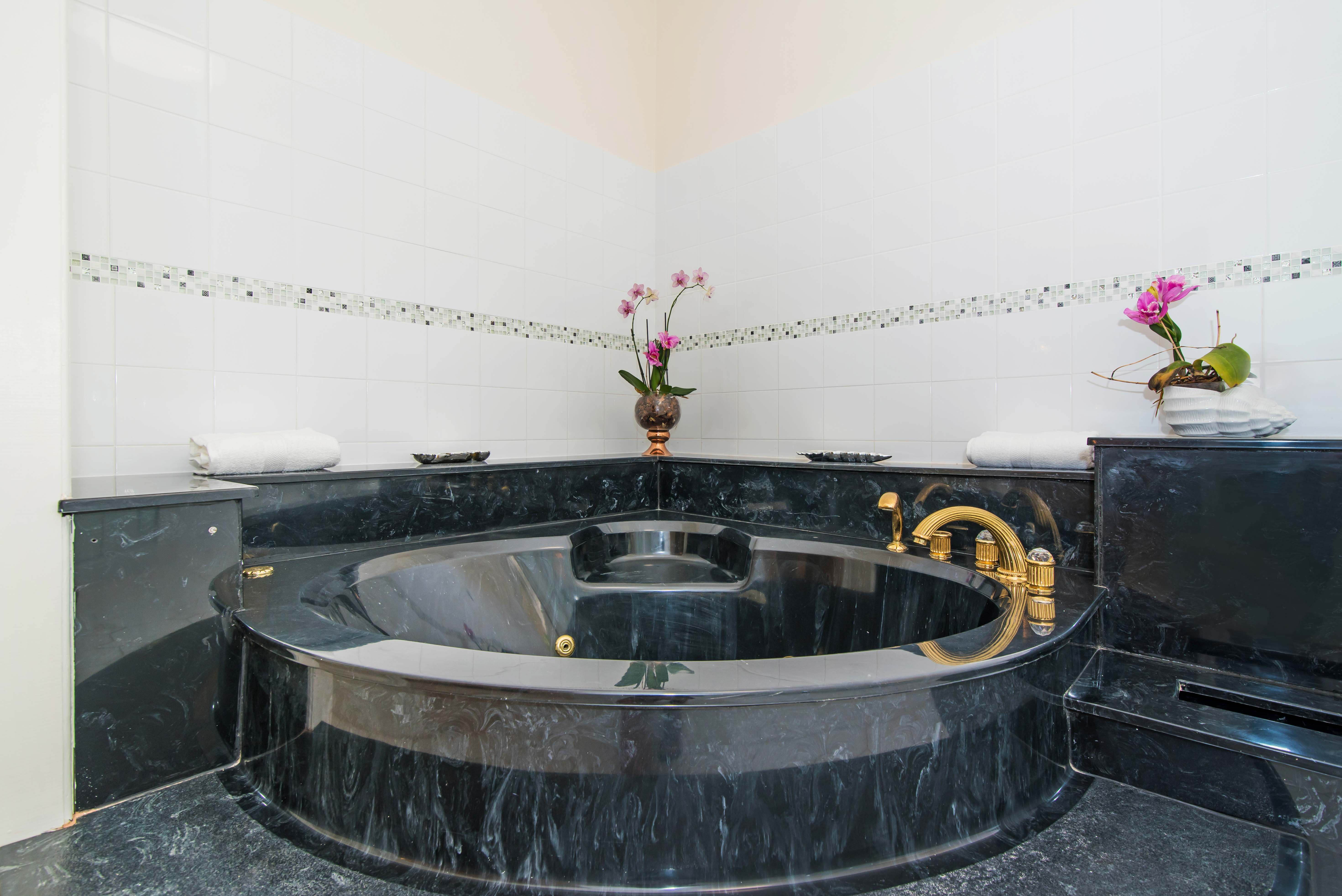 Sprat Bay Master Bath