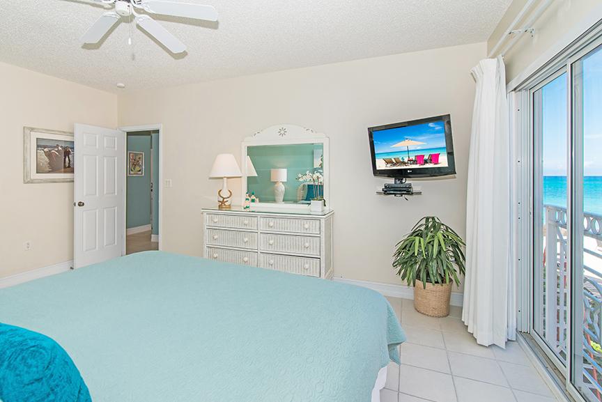 Regal Beach Club 122 Master Bedroom