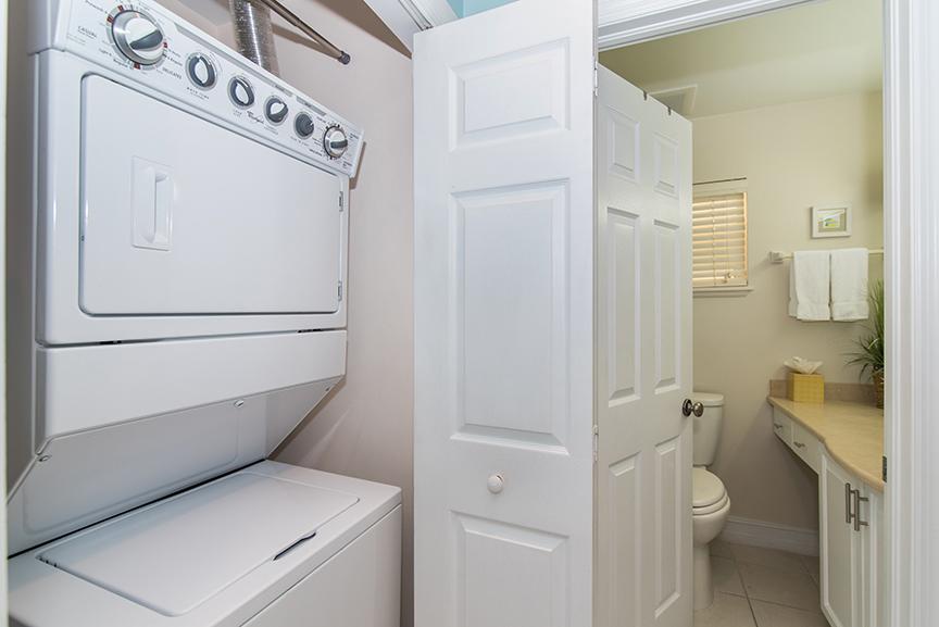 Regal Beach Club 122 Washer/Dryer