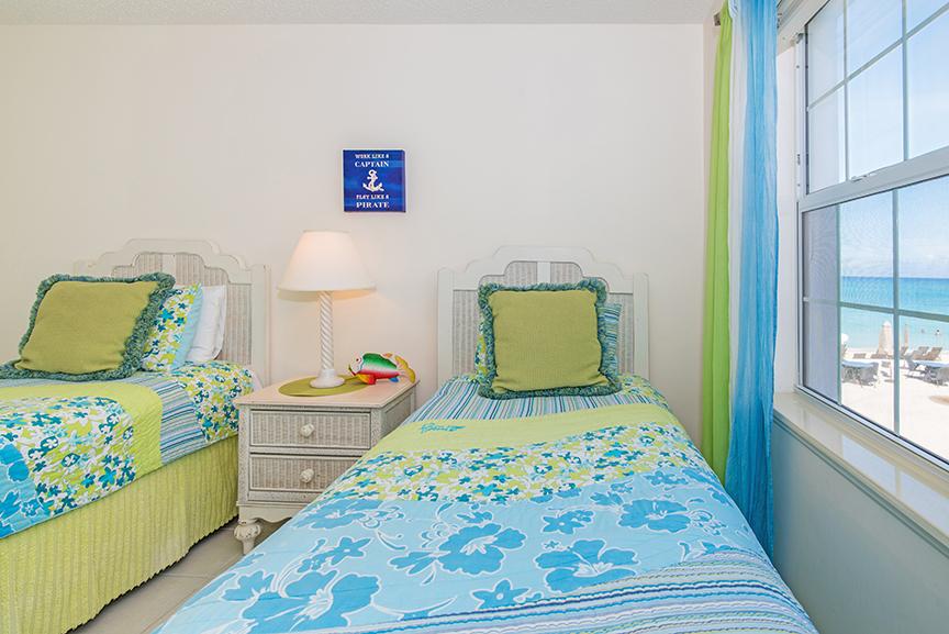 Regal Beach Club 122 Guest Bedroom