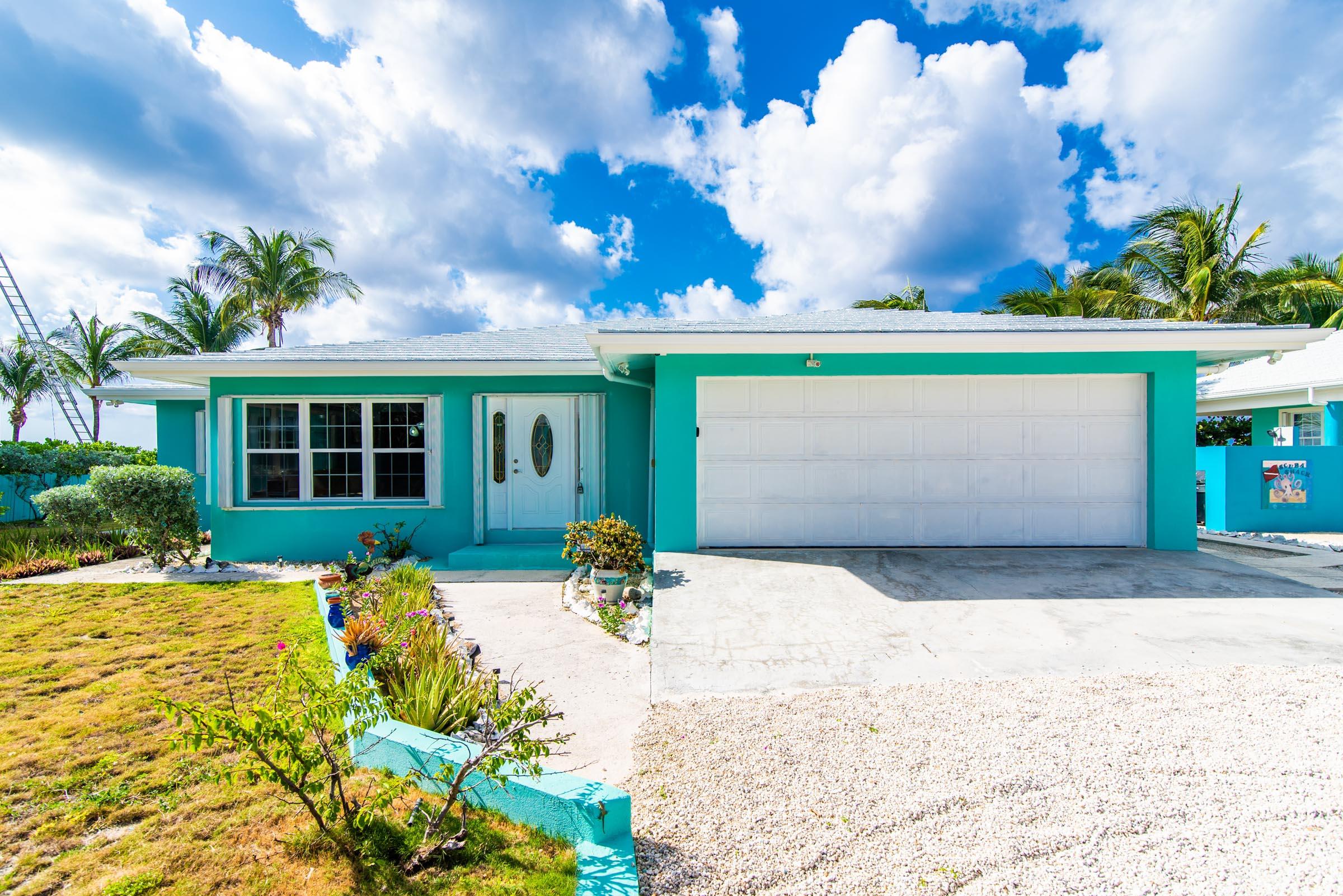Blue Vista Villa Front