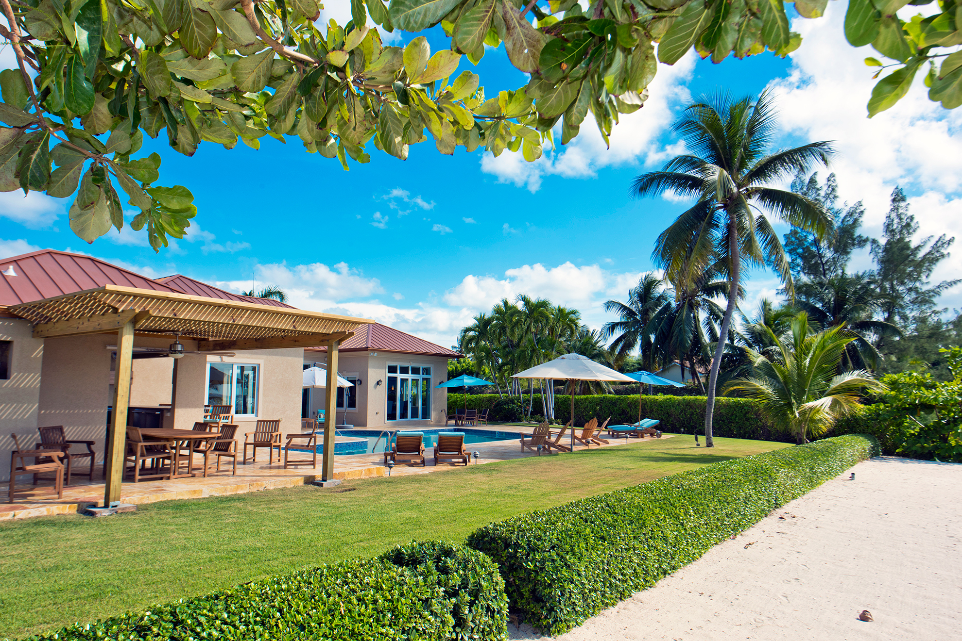 Faroway Villa Outdoor Dining