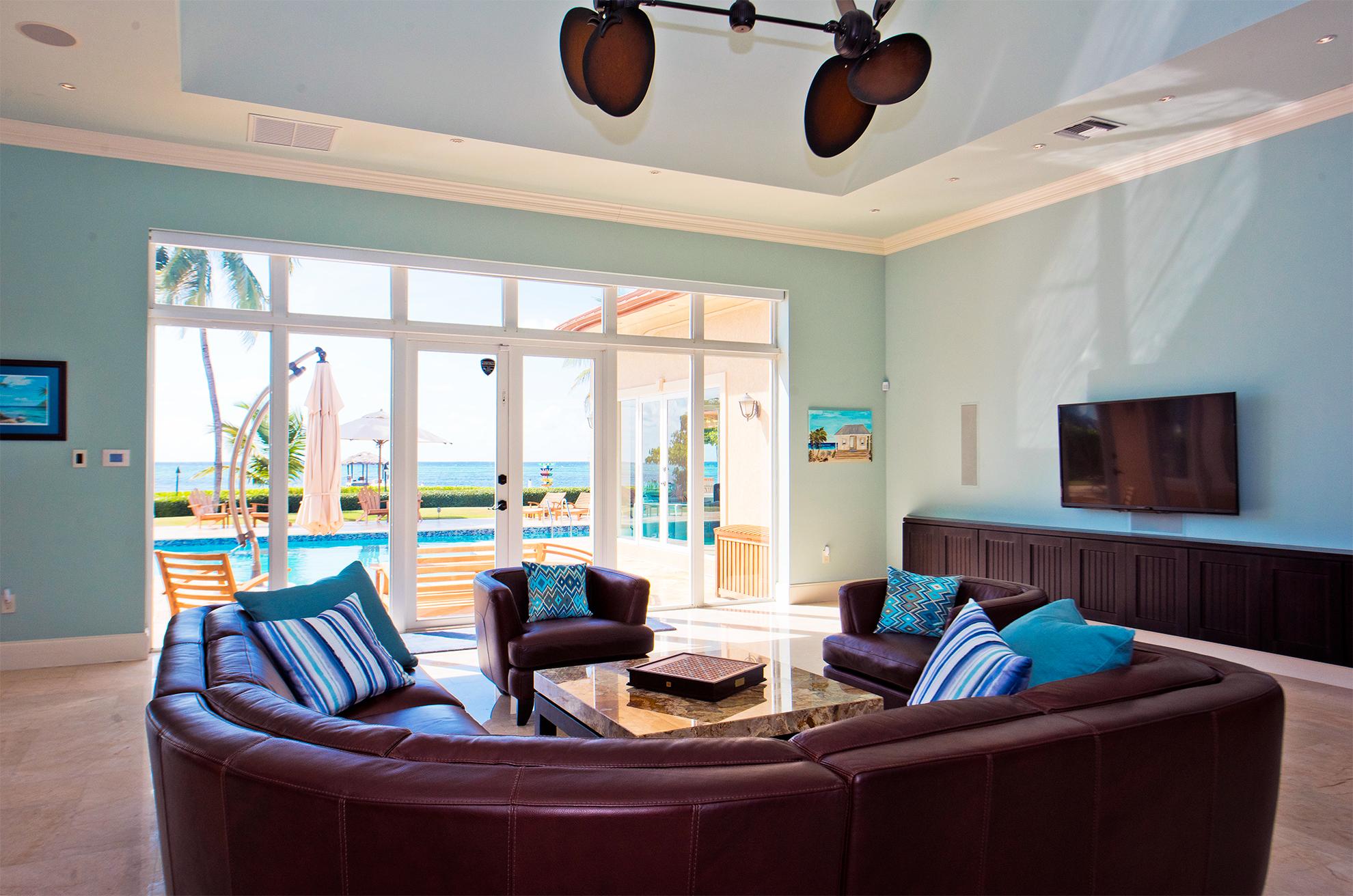 Faroway Living Room