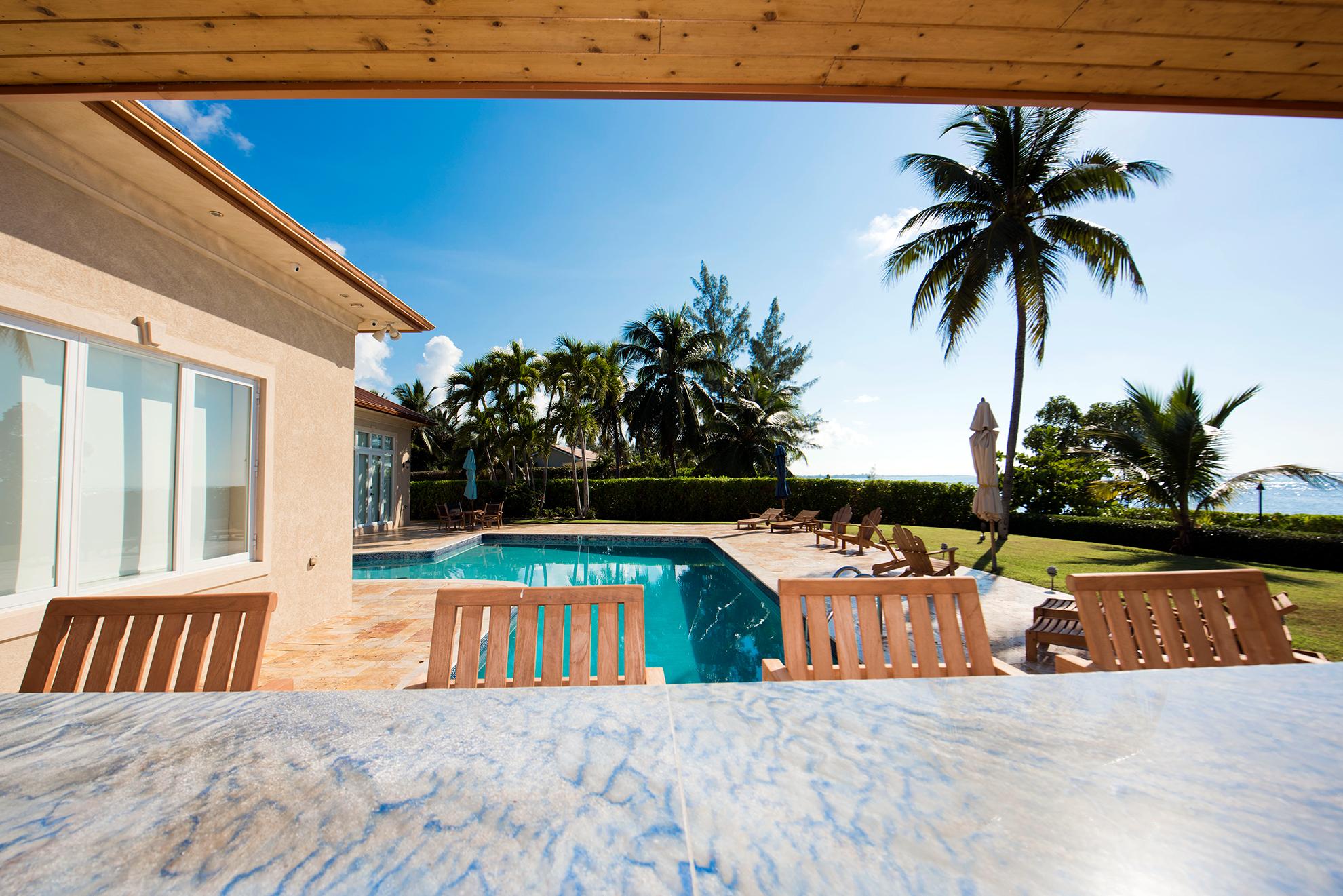 Faroway Villa Outdoor Bar