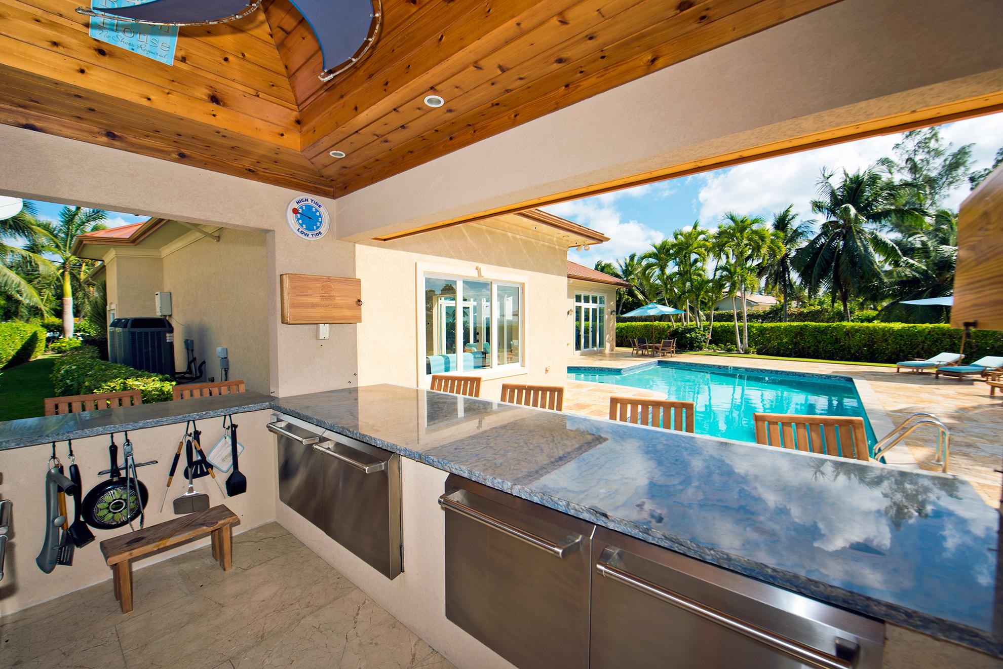 Faroway Villa Outdoor Kitchen