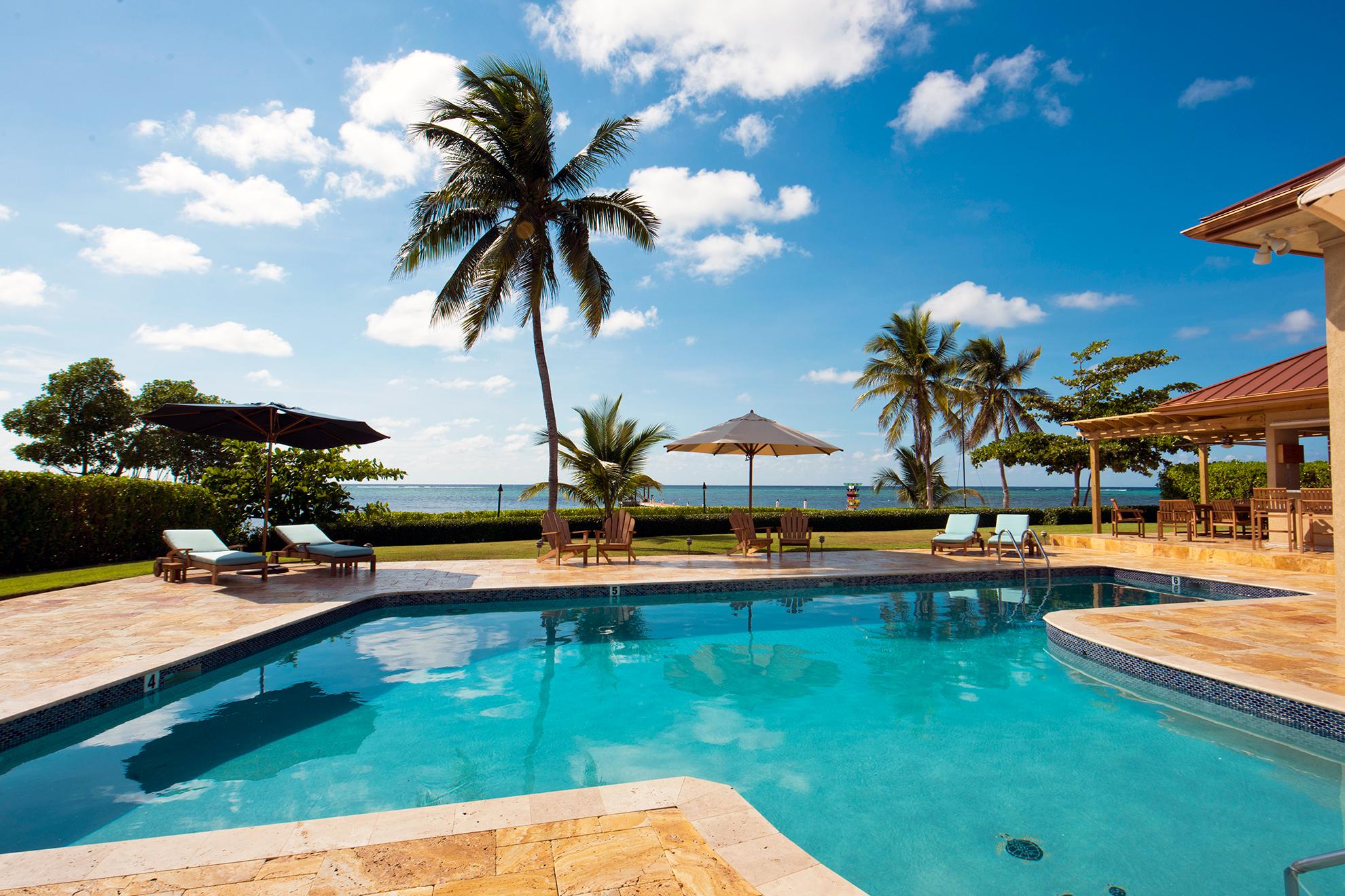 Faroway Villa Oceanfront Pool