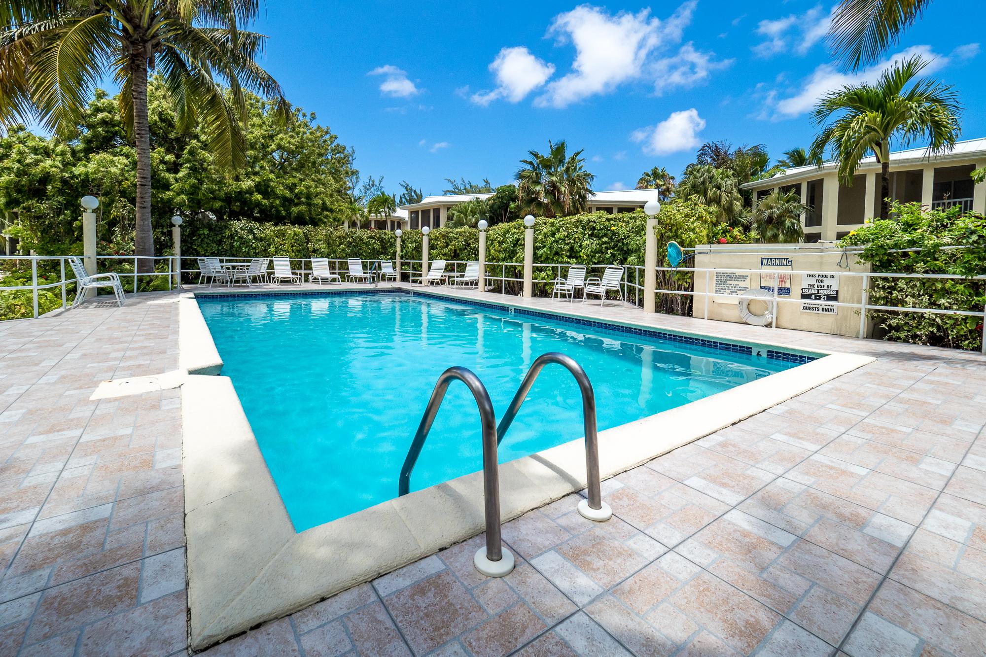 Island Houses Freshwater Pool