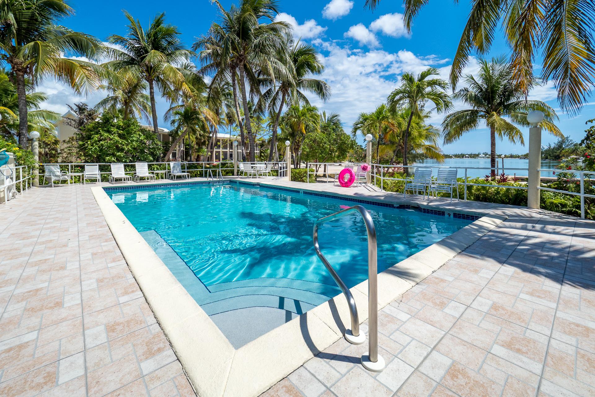 Island House Pool