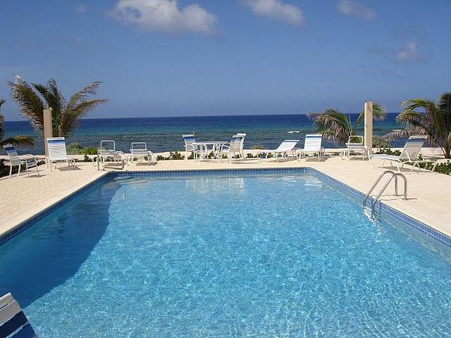 Ocean Paradise Pool
