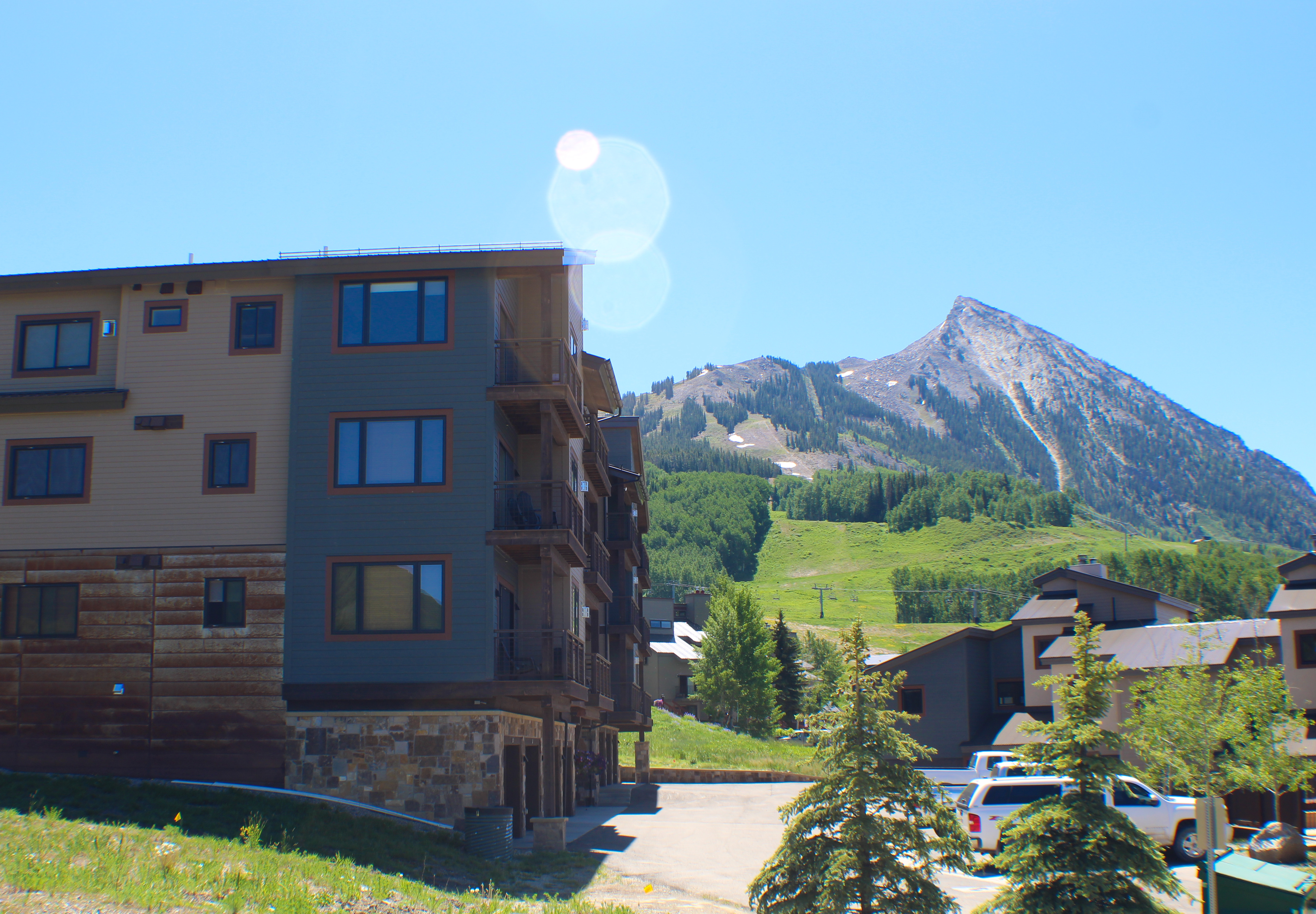 Crested Mtn. North L Building