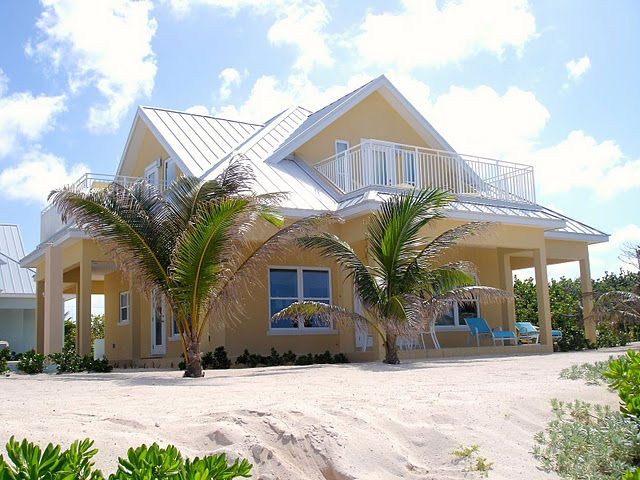 Choose from 4 brand new 3 bedroom ocean front or ocean view luxury villas, located in beautiful Cayman Kai. Freshwater pool overlooking beautiful sandy beach with great snorkeling. Close to restaurants, water sports and Rum Point!
