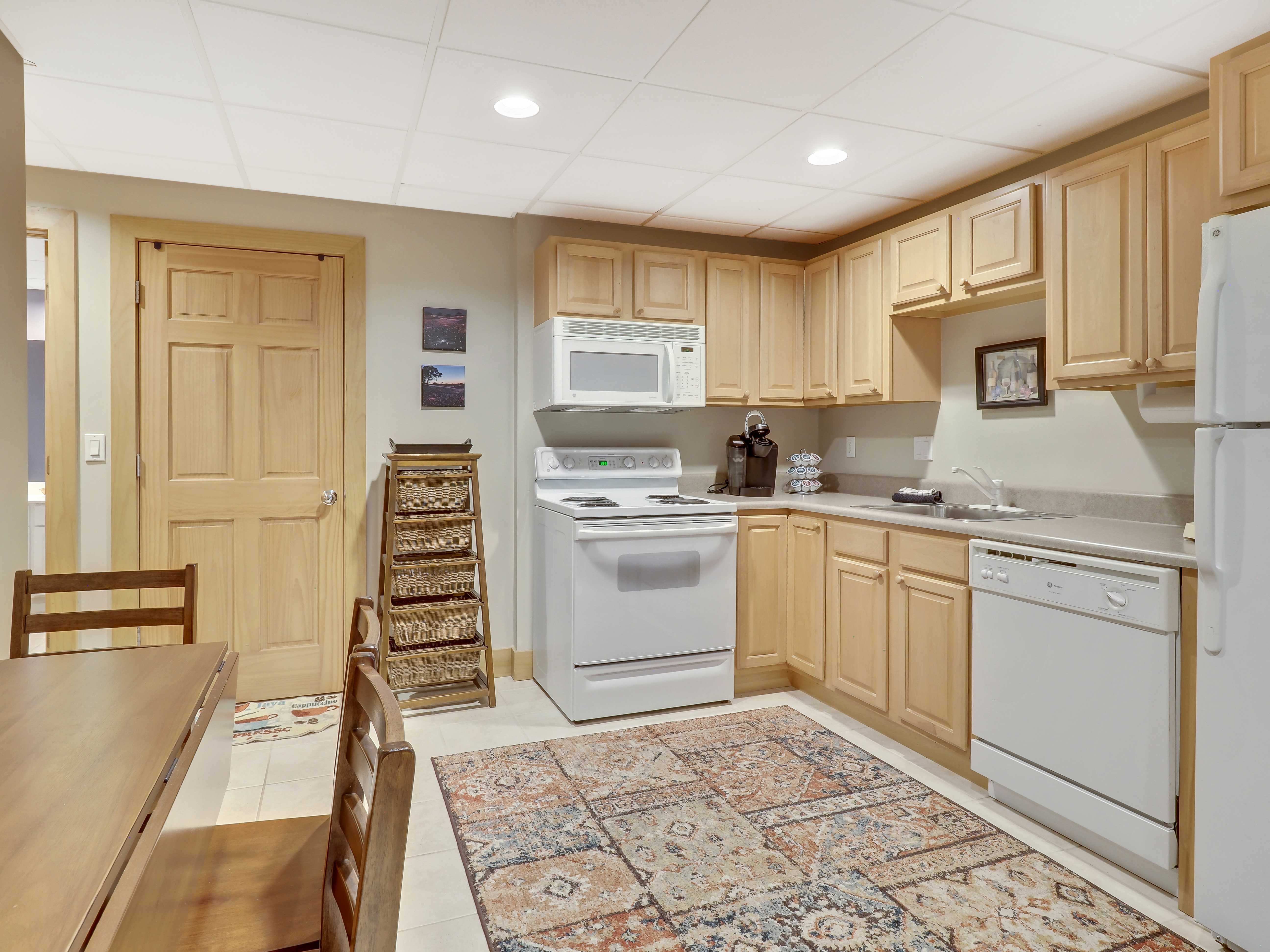 Lower Level Kitchen and Dining
