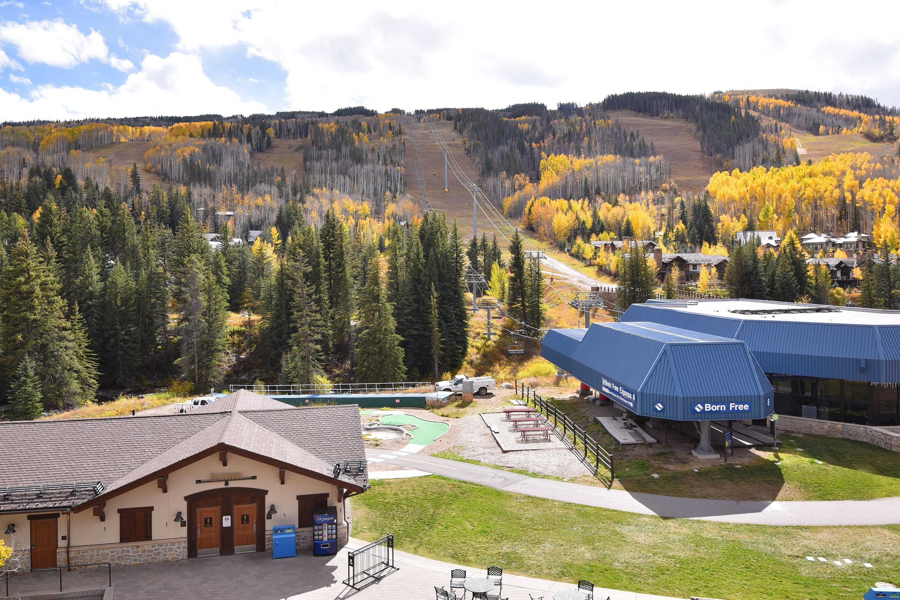Your location: A few steps from Vail's Eagle Bahn Gondola and Chair 8!