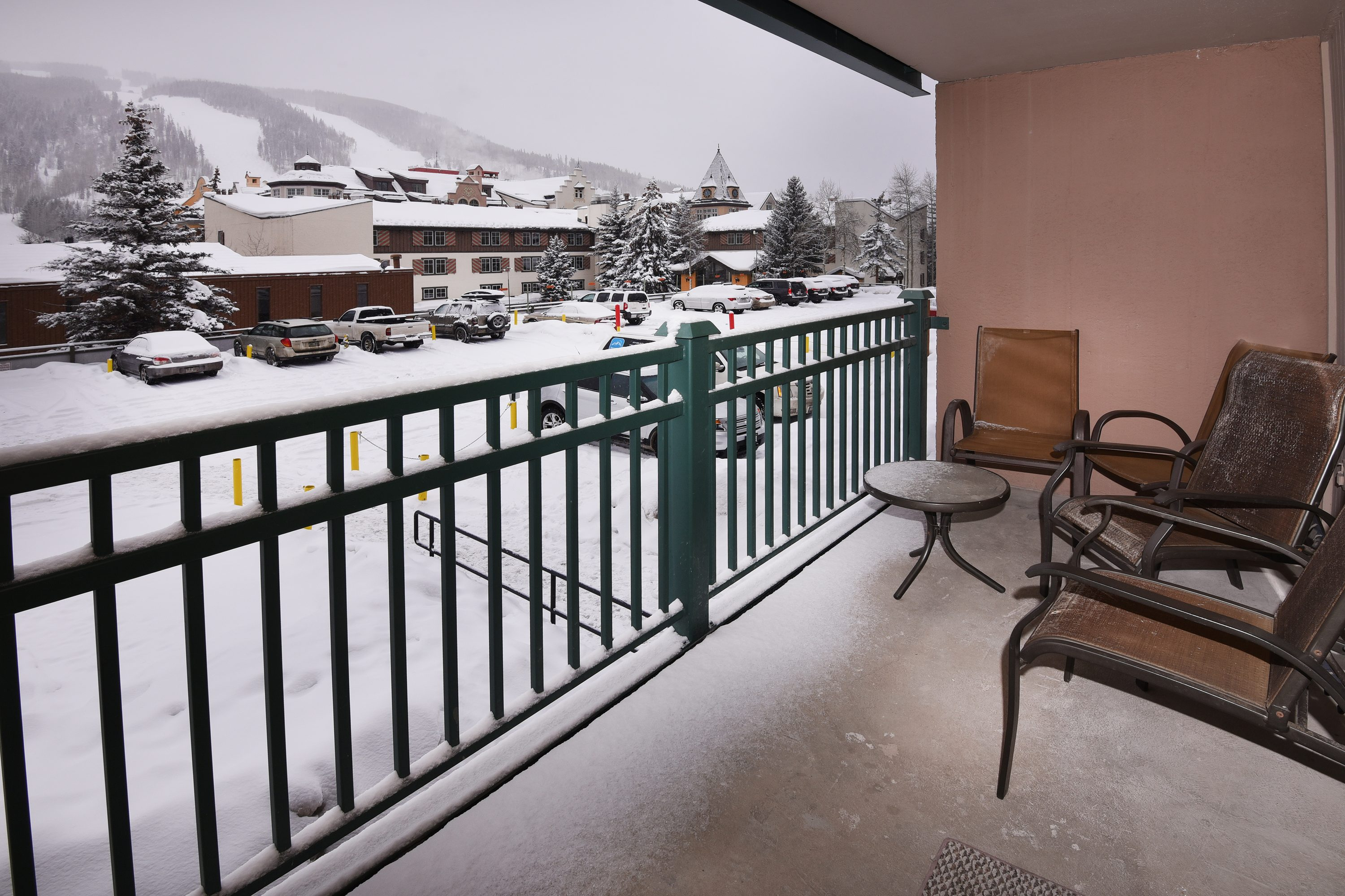 2 Bedroom Easy Walk To Slopes Slope Views Amp Hot Tubs