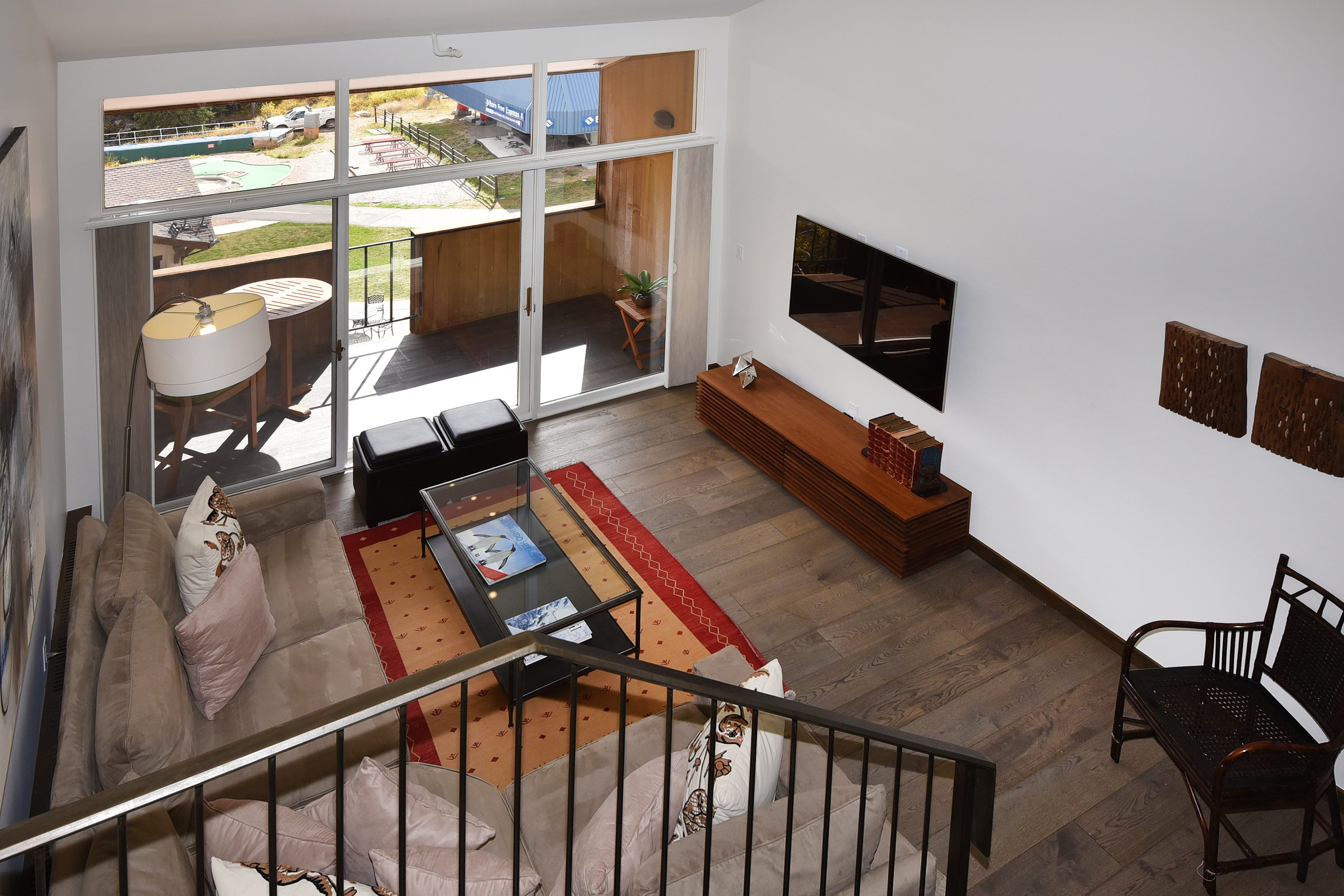 Large Ski In Out Lionshead Condo W Private Hot Tub And