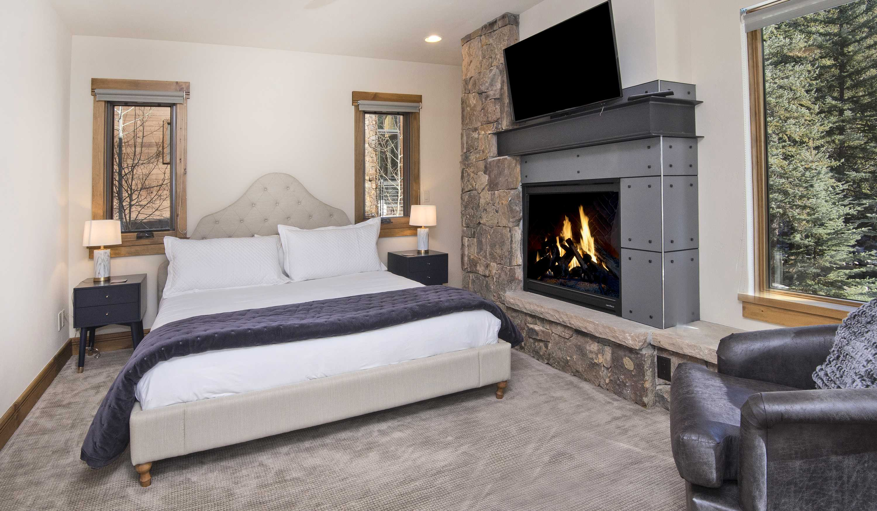 Is that a fireplace in the master bedroom? It is!