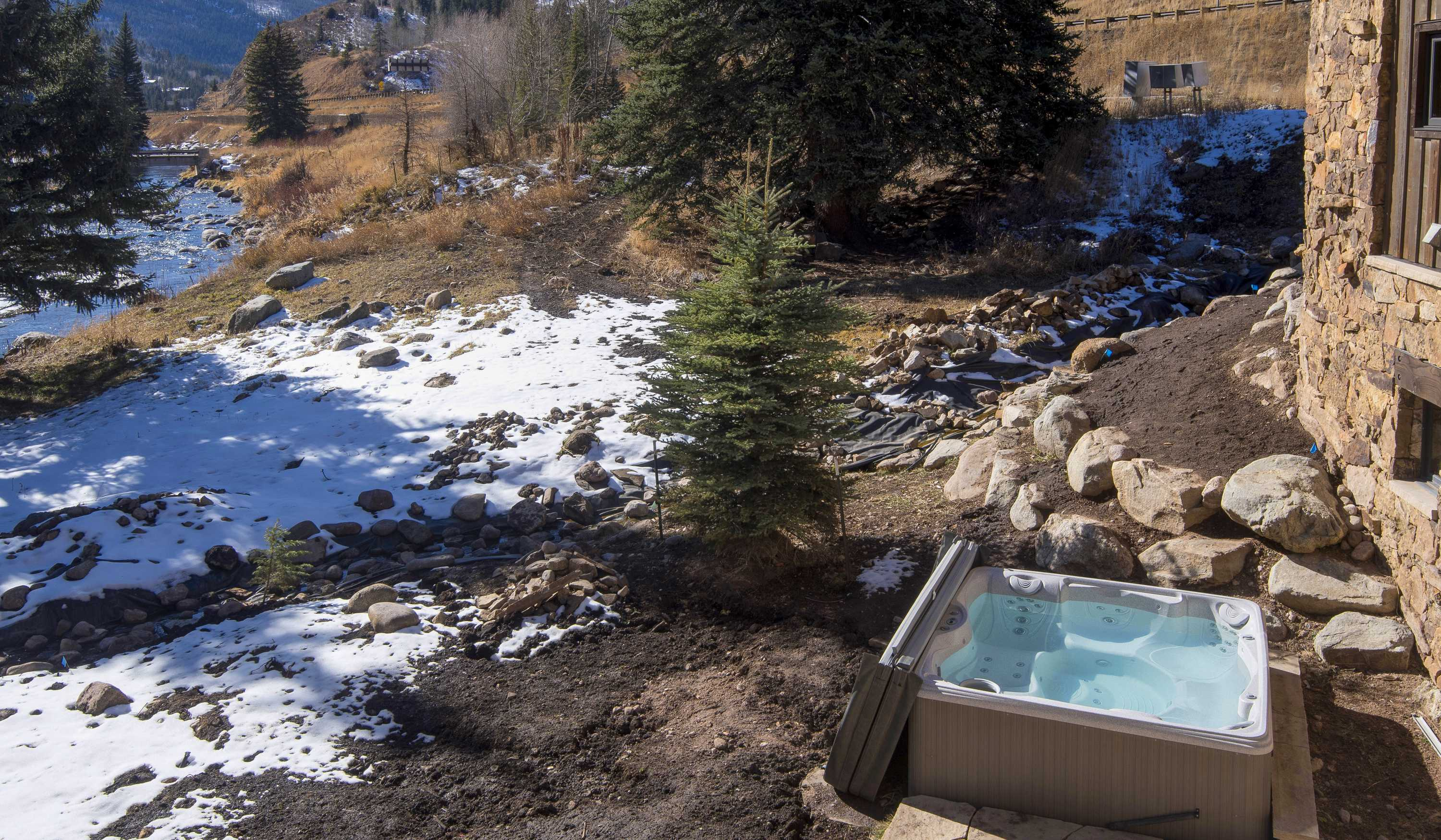 Private, secluded hot tub with views of Gore Creek