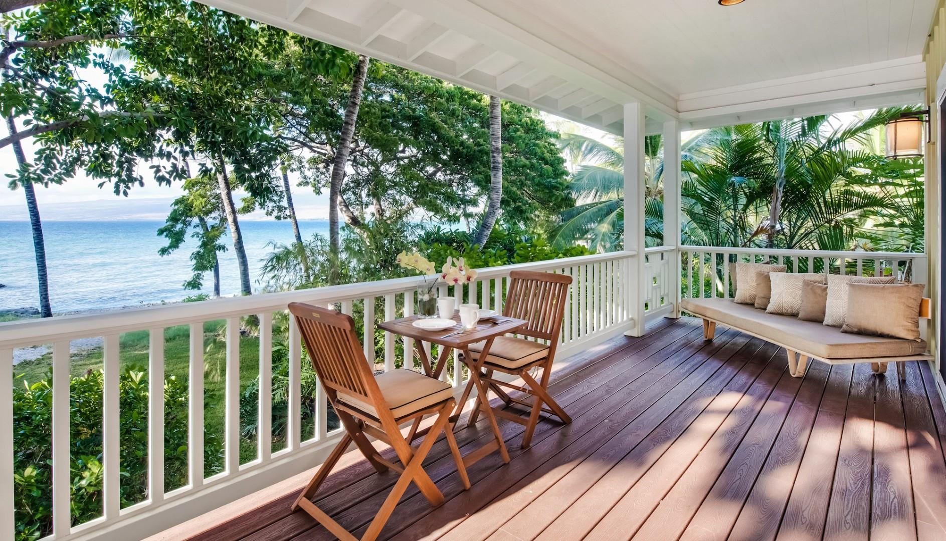 Ohana Guest Cottage Private Lanai w/ Spectacular Ocean & Garden Views.